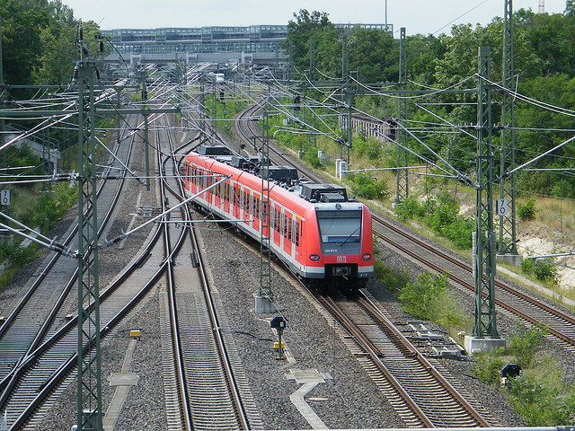 S-Bahn auf Schienen
